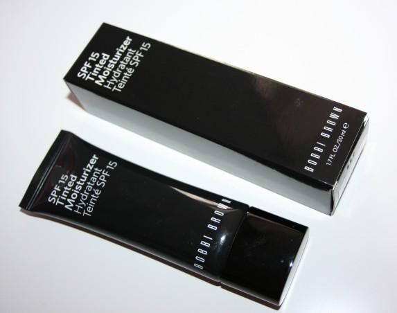 Routine teint léger avec la crème teintée (Bobbi Brown) et le Cha-Cha-Tint (Benefit)