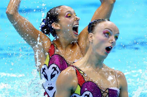 Le maquillage en natation synchronisée, vulgaire? Non ! Spectaculaire !