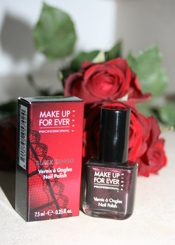 Black Tango, le vernis classieux de Make Up For Ever