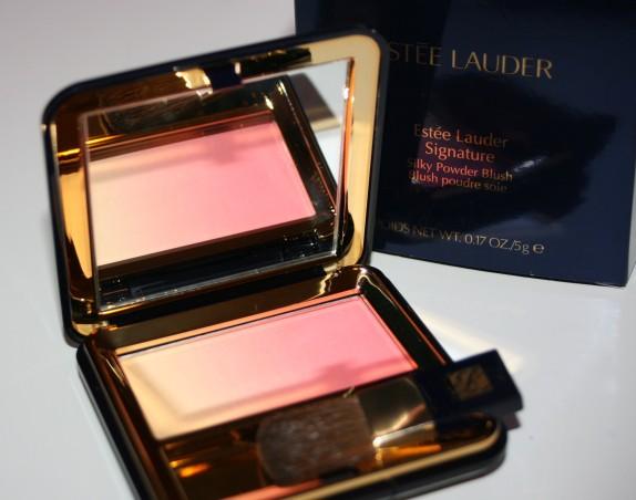 Le magnifique blush «Signature» d'Estée Lauder
