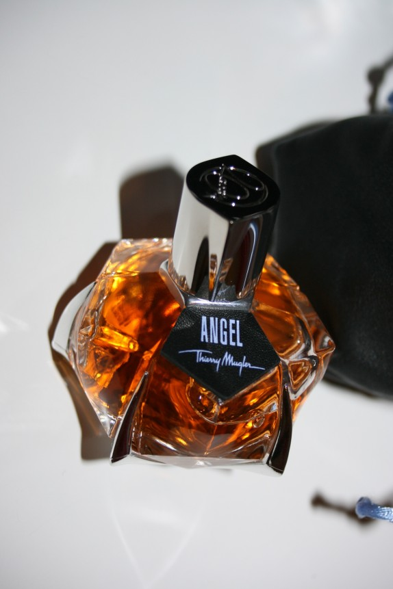 angel-parfums-de-cuir.jpg