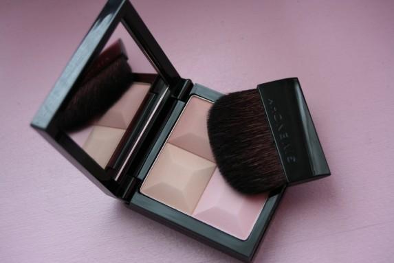Doux comme une sucrerie, le prisme visage Givenchy