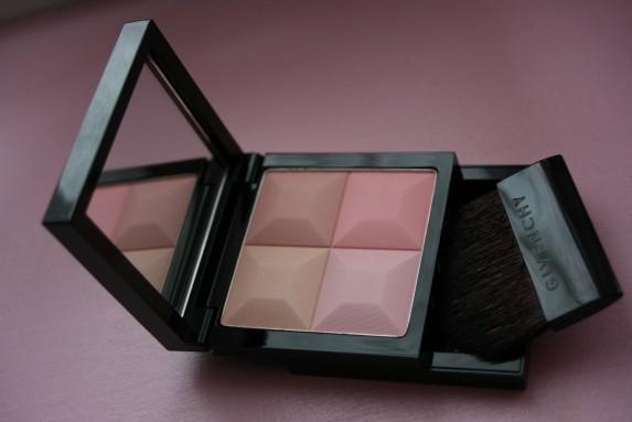 Doux comme une sucrerie le prisme visage givenchy for Givenchy teint miroir