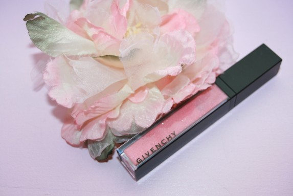 Impertinent? Nude? Un gloss Givenchy