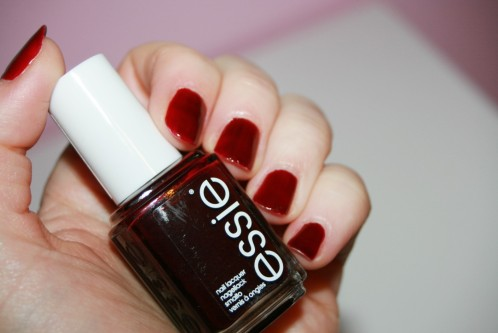 Skirting the issue / Essie : un classique?