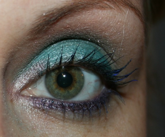 noeils-mascara-bleu-copie-1.jpg