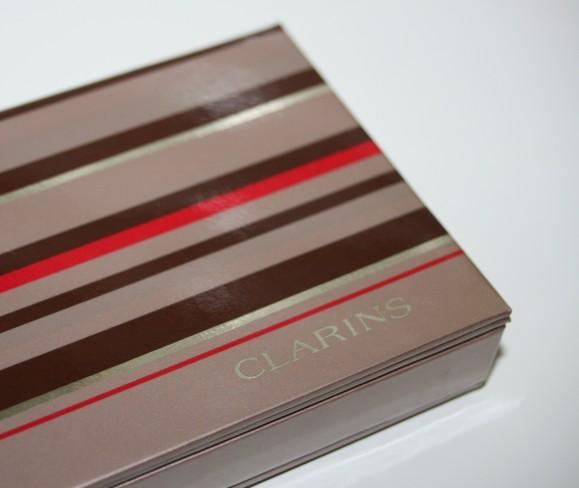 exterieur-palette-the-essentials-Clarins-rayures-bayadere.jpg