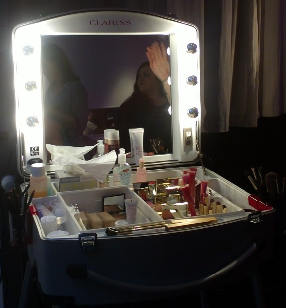 makeupClarins.jpg