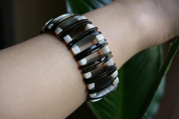 bracelet-sur-peau-nue.jpg