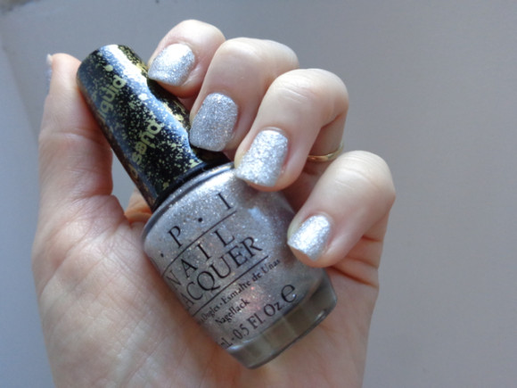 OPI x Mariah Carey : It's Frosty outside (liquid sand)