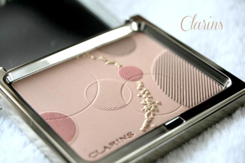 détail palette teint opalescence clarins