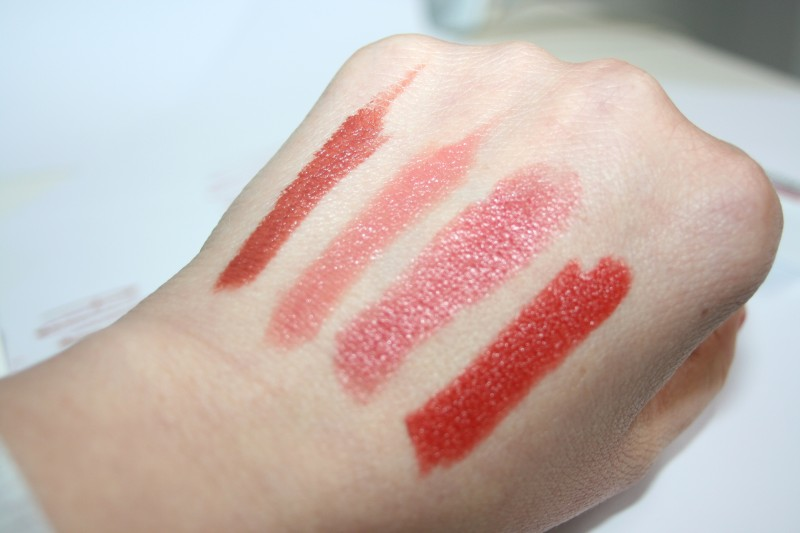 swatches - UNE- ROUGE