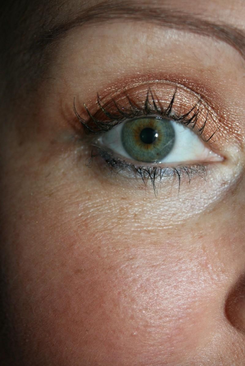 détail maquillage palette YR