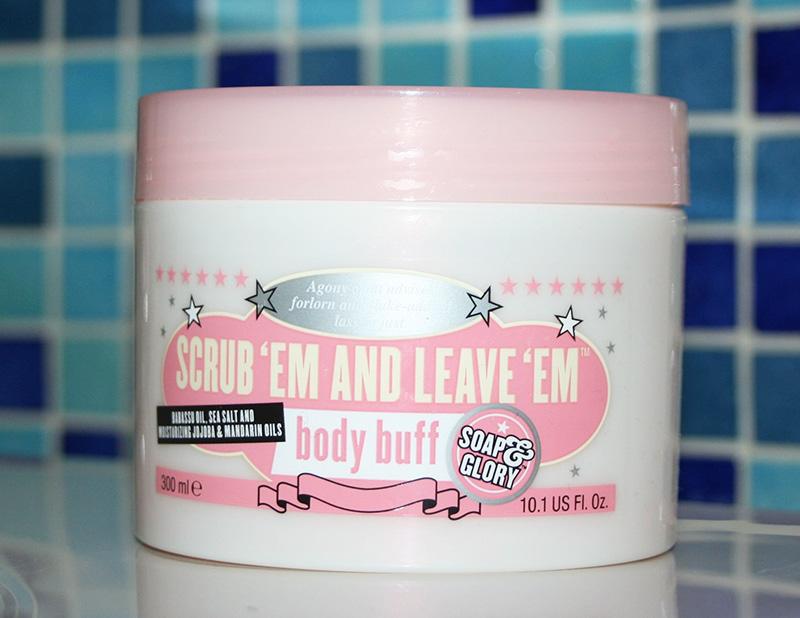 Scrub 'em and leave 'em : un gommage corporel de Soap and Glory