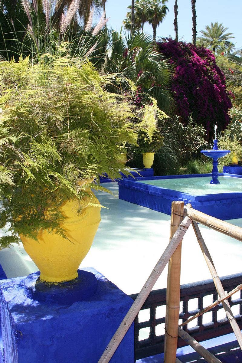 Racheté en 1980 par Pierre Bergé et Yves-Saint-Laurent, cet endroit regorge d'espèces végétales magnifiées dans un espace au le ciel bleu rivalise de beauté avec les bassins