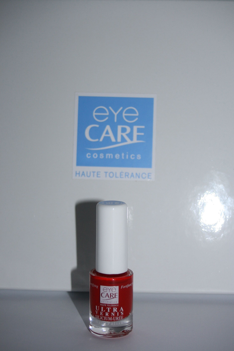 vernis rouge eyecare
