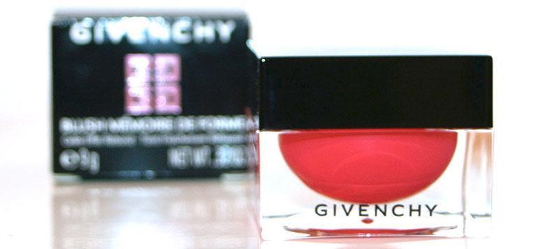 Faire monter le rose aux joues avec le blush «mémoire de forme» de Givenchy