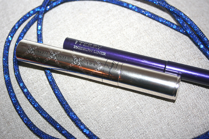 By Terry Mascara liner sourcils