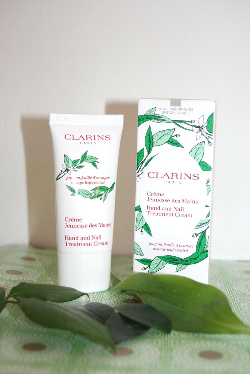 crème jeunesse mains feuilles d'oranger Clarins