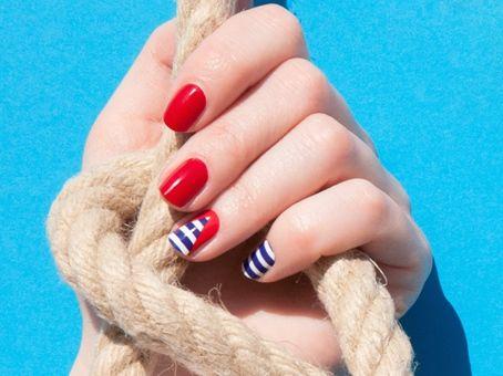 Kure Bazaar crée une marinière pour vos ongles !
