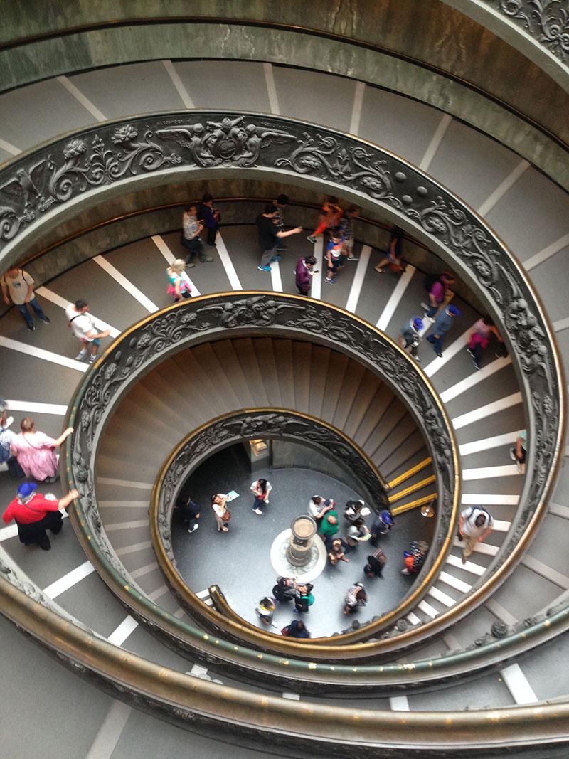 l'escalier de Bramante, un escalier à double hélice (comme à Chambord :)
