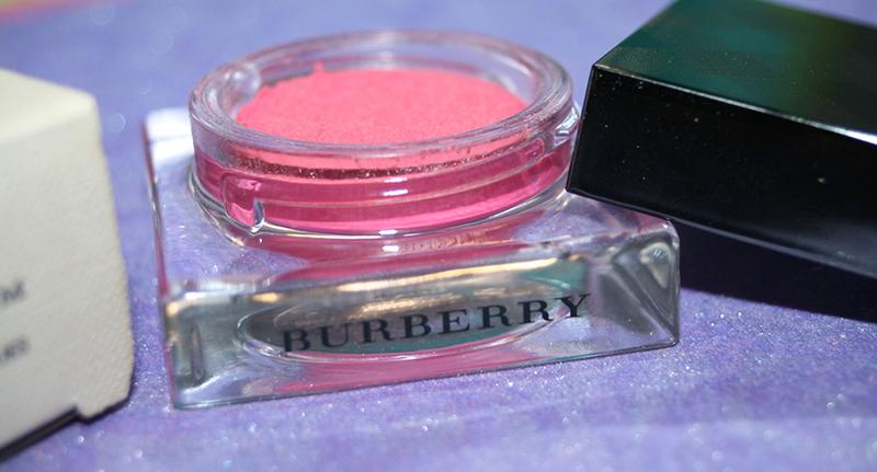 Un joli blush crème Burberry