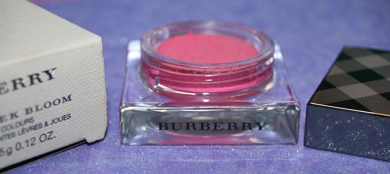 lipcheek-burberry